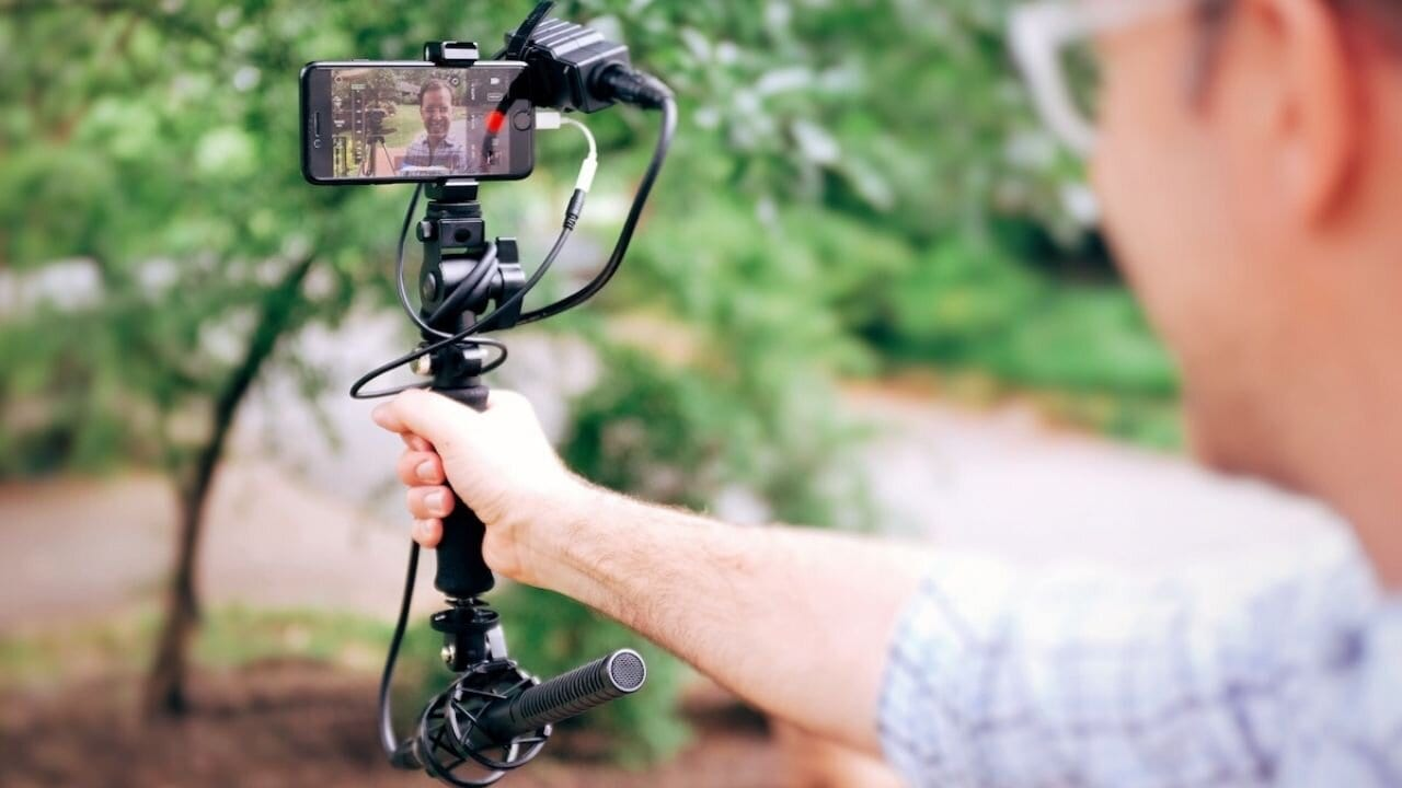 use an iPhone for vlogging