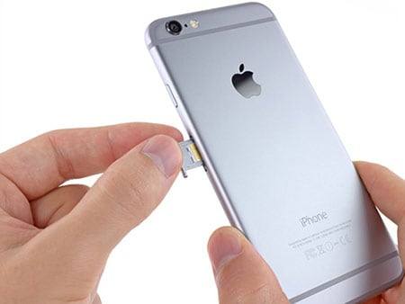 remove sim card from iphone